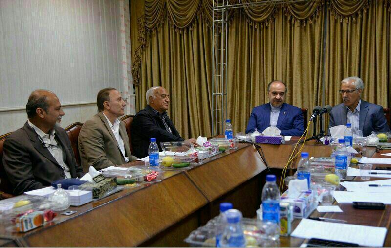 حضور آقای دکتر سلطانی فر در نشست هیات مدیره کانون مربیان فوتبال ایران
