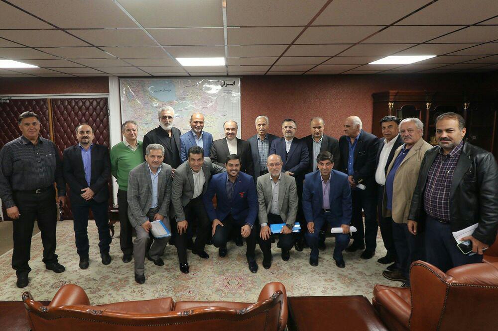 نشست اعضای هیات مدیره کانون مربیان فوتبال ایران با آقای دکتر سلطانی فر
